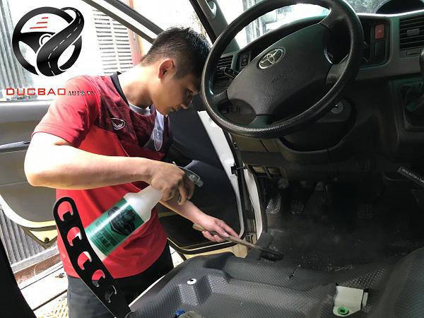 Dọn nội thất ô tô tại Hà Nội