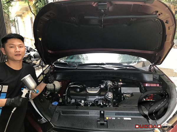 Vệ sinh khoang máy ô tô ở Đức Bảo AutoSpaPro